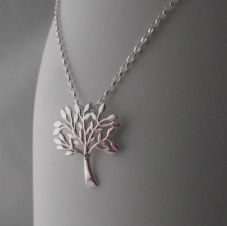 Gorgeous Solid Sterling Silver Tree of Life Pendant Necklace Chain Stunning Gift